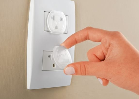 Precauciones básicas con la electricidad en casa